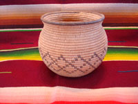 Native American Indian antique baskets, a beautiful and very tightly woven Chemehuevi olla, Arizona or California (Colorado River near Parker, Arizona), c. 1920. Main photo of the Indian basket.
