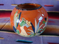 Mexican vintage pottery and ceramics, a lovely pottery tecomate with beautiful glazing and exquisite artwork, Tlaquepaque or Tonala Jalisco, c. 1940's. Photo showing the campesino on the other side of the pottery tecomate from San Pedro Tlaquepaque.