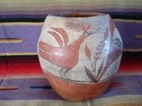 Native American Indian vintage pottery and ceramics, a beautiful Zia pot with a wonderful bird design, Zia Pueblo, New Mexico, c. 1920-30's. Main photo of the Zia pot.
