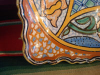 Mexican vintage pottery and ceramics, a ceramic Talavera tray from Puebla, c. 1960's. Another closeup photo of the Talavera tray.
