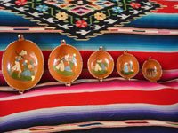 Mexican vintage pottery and ceramics, a set of nesting oval bowls with beautiful artwork, Tonala or Tlaquepaque, Jalisco, c. 1940's. Main photo.