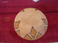 Native American Indian antique baskets, a very beautiful and rare polychrome Chemehuevi olla, Parker, Arizona area, c. 1915-20.  Photo showing the bottom of the Chemehuevi Indian basket.
