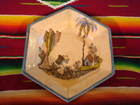Mexican vintage pottery and ceramics, a beautiful six-sided bowl from Tlaquepaque, Jalisco, c. 1920-30. Main photo.
