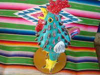 Mexican vintage folk art, and Mexican vintage pottery and ceramics, a wonderful, large rooster, signed JJRM (Juan Jose Ramos Medrano, the grandson of the very famous Candelario Medrano), Santa Cruz de las Huertas, Jalisco, c. 1960's. Main photo of the Medrano rooster.