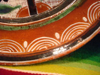 Mexican vintage pottery and ceramics, a wonderful petatillo plate, Tonala, c. 1940's. Photo of border of the plate.