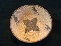 Native American Indian antique basket, a Chemehuevi pictorial basket featuring lovely birds, attributed to basketmaker Mary Smith Hill, Chemehuevi, c. 1920. Main photo of the Indian basket.