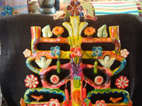 Mexican vintage folk art, and Mexican vintage pottery and ceramics, a beautiful, very large tree-of-life (arbol de la vida) by the famous Aurelio Flores, Acatlan, Puebla, c. 1950's. Photo showing the top part of the tree-of-life by Aurelio Flores.