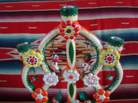 Mexican vintage folk art, and Mexican vintage pottery and ceramics, a very lovely tree-of-life with very vibrant artwork and decorations, attributed to the great Heriberto Castillo, Izucar de Matamoros, Puebla, c. 1950's. Closeup photo of the top part of the tree-of-life.