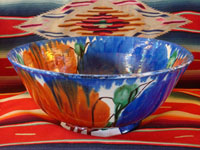 Mexican vintage pottery and ceramics, a drip-ware (goteado) bowl from Oaxaca, c. 1930-40. Main photo of drip-ware bowl.