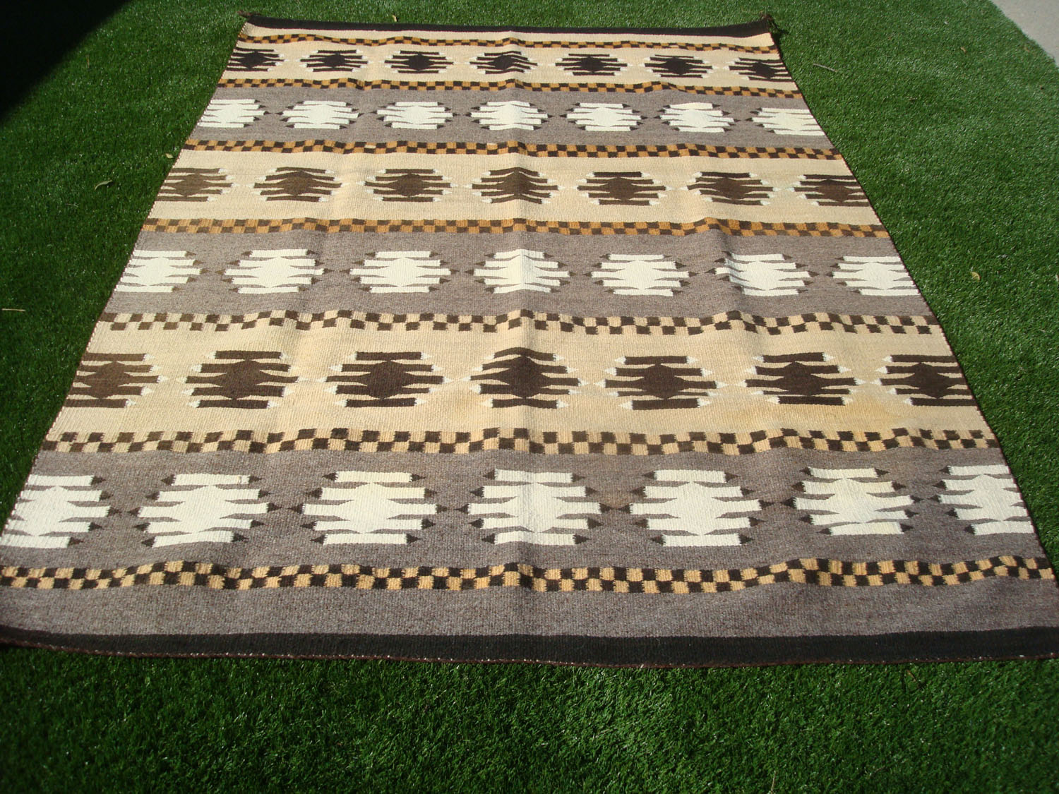 native american indian and navajo rugs and textiles a beautiful navajo textile or rug with