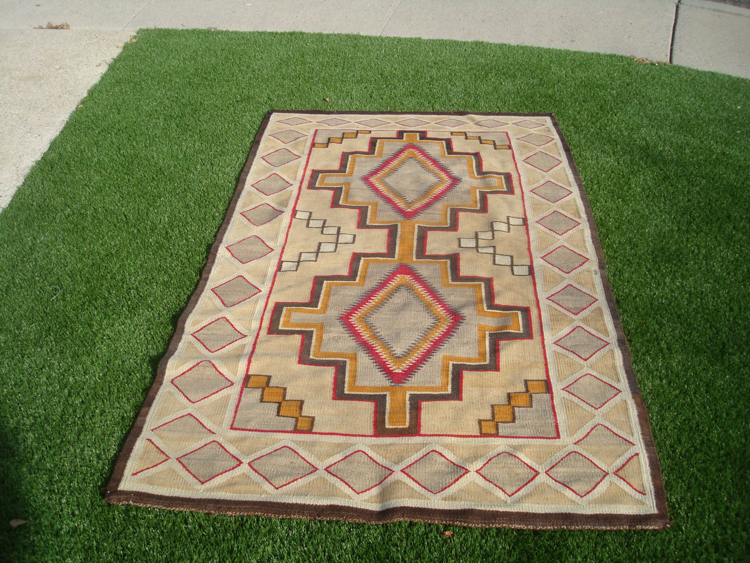 native american indian vintage textiles and navajo textiles and rugs a beautiful red mesa