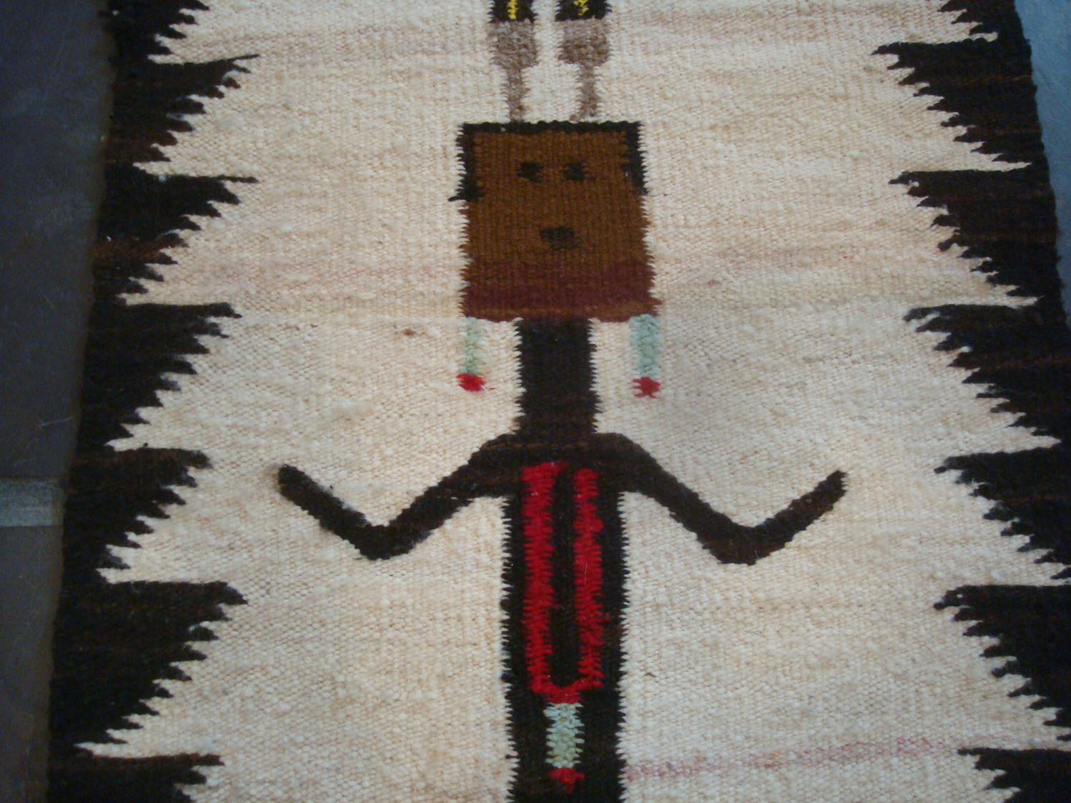 Native American Indian and Navajo Rugs and Textiles at Pocas Cosas ...